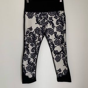 Lululemon black and white lace floral yoga pants